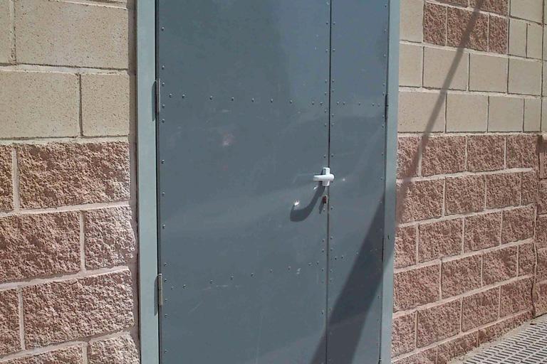 Puerta PRFV abatible